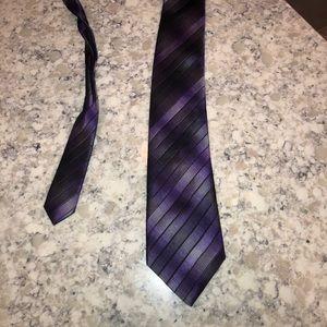 Arrow purple/black stripe tie
